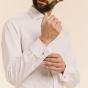 Chemise classique en oxford blanche à poignets mousquetaires