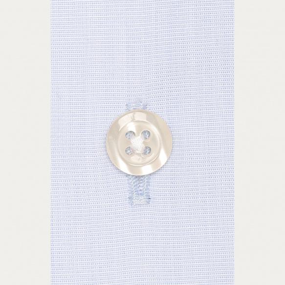 Chemise classique en fil-à-fil bleu clair à poignets mousquetaires