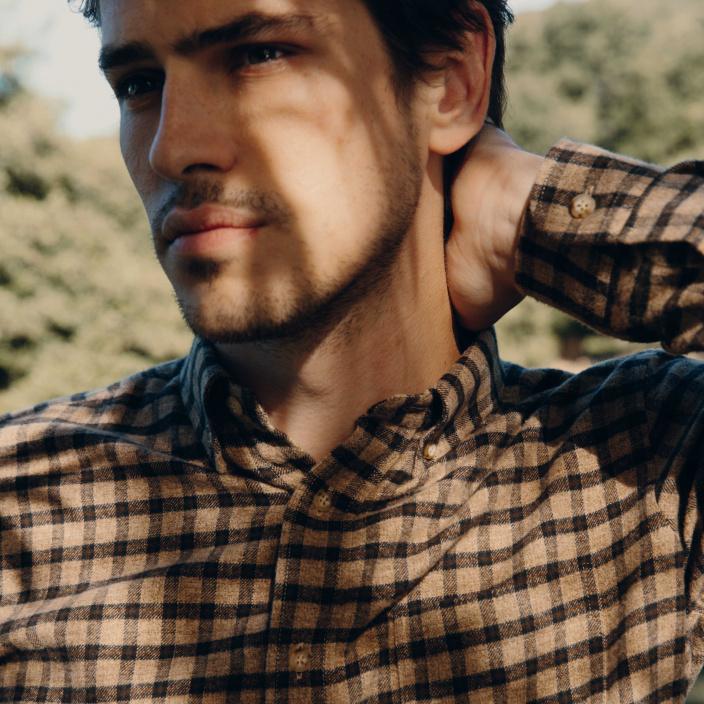 Chemise décontractée en flanelle à carreaux beige