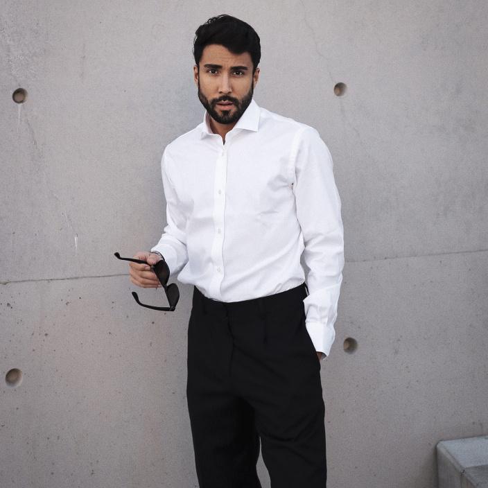 Slim fit white twill natural stretch shirt