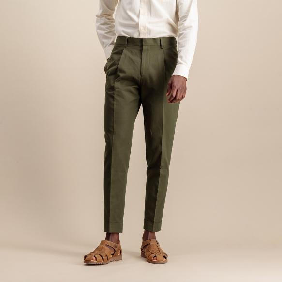 Pantalon à pinces en lin et coton kaki
